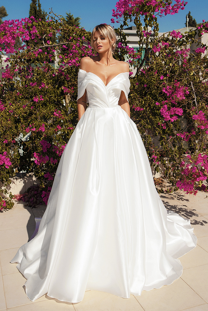 Wedding dresses Alicia Silhouette  A Line  Color  Ivory  Neckline  Sweetheart  Sleeves  Off the Shoulder Sleeves  Train  With train - foto 2