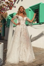 Wedding dresses Candice Silhouette  A Line  Color  Ivory-blush  Neckline  Sweetheart  Portrait (V-neck)  Sleeves  Detachable  Off the Shoulder Sleeves  Train  With train - foto 3