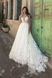 Wedding dresses Alina Silhouette  A Line  Color  Blush  Ivory  Neckline  Portrait (V-neck)  Sleeves  Wide straps  Train  With train - foto 3