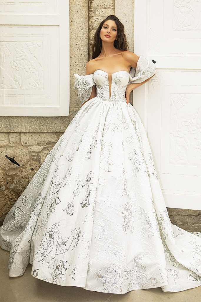 Wedding dresses Amalia Silhouette  A Line  Color  Ivory-silver  Neckline  Sweetheart  Sleeves  Off the Shoulder Sleeves  Train  With train - foto 3