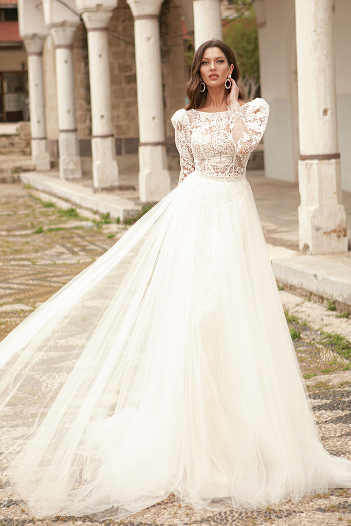 Wedding dresses Luisa Silhouette  A Line  Color  Ivory-blush  Neckline  Scoop  Sleeves  Long Sleeves  Train  With train - foto 3