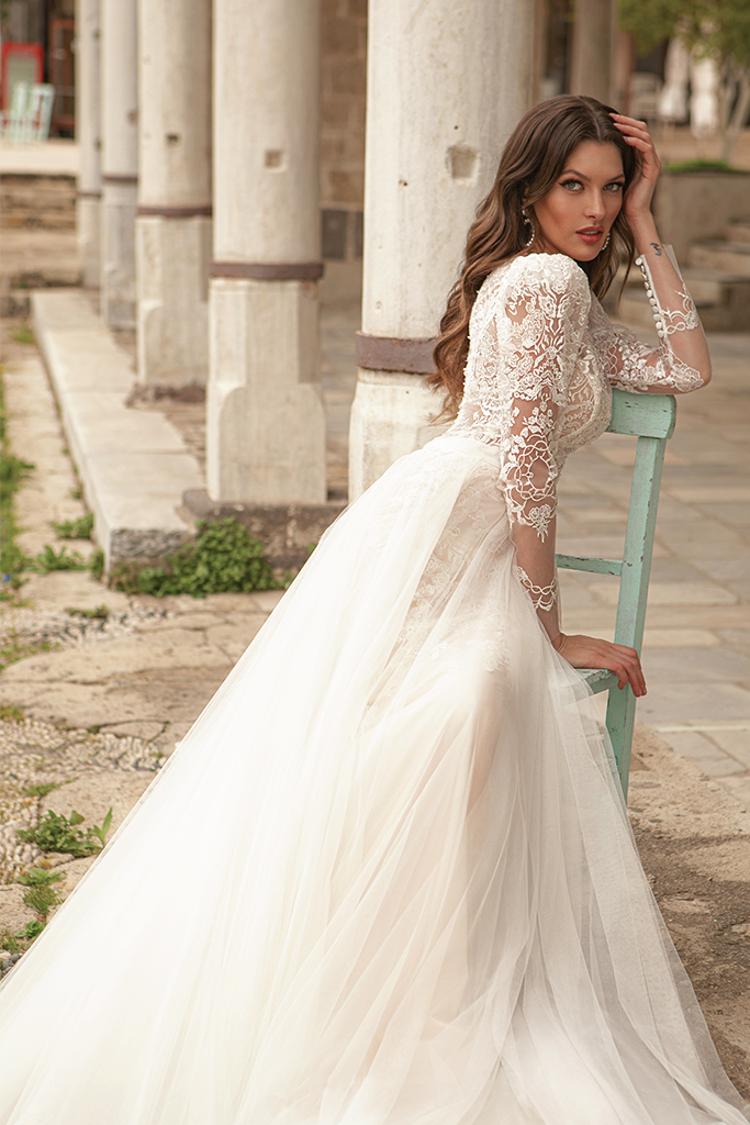Wedding dresses Luisa Silhouette  A Line  Color  Ivory-blush  Neckline  Scoop  Sleeves  Long Sleeves  Train  With train - foto 5