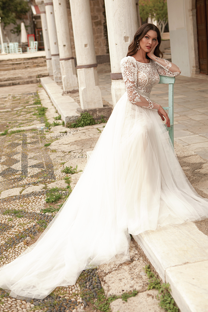 Wedding dresses Luisa Silhouette  A Line  Color  Ivory-blush  Neckline  Scoop  Sleeves  Long Sleeves  Train  With train - foto 4