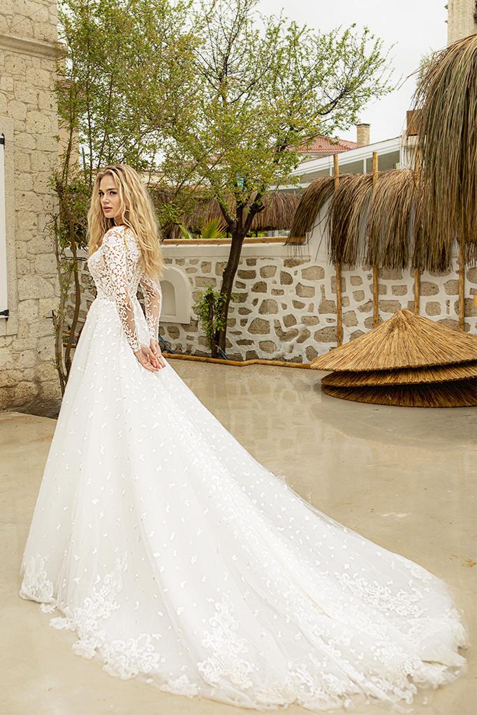 Suknie ślubne Paolina Sylwetka  Balowa suknia   Kolor  Kremowy  Dekolt  Owalny  Rękawy  Długi  Flex  Z trenem - foto 2