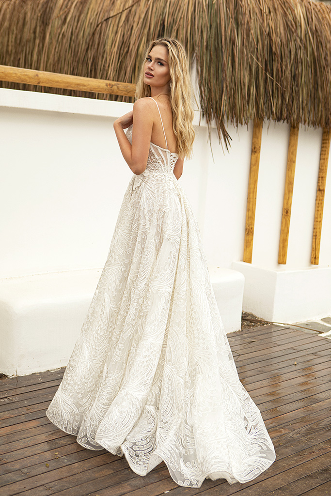 Wedding dresses Aria Silhouette  A Line  Color  Ivory  Train  With train - foto 2