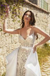 Wedding dresses Carmen Silhouette  Fitted  Color  Ivory-blush  Neckline  Sweetheart  Sleeves  Spaghetti Straps  Train  Detachable train  With train - foto 5