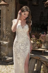 Wedding dresses Eleonora Silhouette  Fitted  Color  Ivory  Neckline  Sweetheart  Sleeves  T-Shirt  Train  With train - foto 6