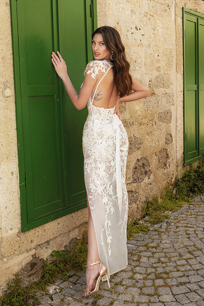 Wedding dresses Eleonora Silhouette  Fitted  Color  Ivory  Neckline  Sweetheart  Sleeves  T-Shirt  Train  With train - foto 5