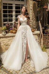 Wedding dresses Eleonora Silhouette  Fitted  Color  Ivory  Neckline  Sweetheart  Sleeves  T-Shirt  Train  With train - foto 2