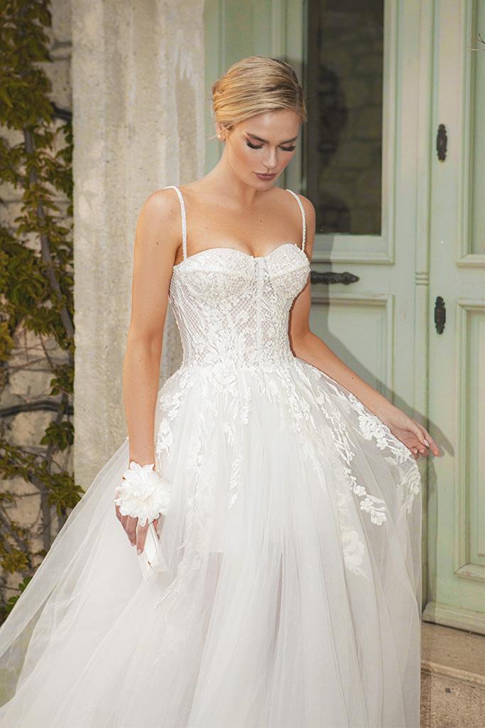 Wedding dresses Franceska Silhouette  A Line  Color  Ivory  Neckline  Sweetheart  Sleeves  Spaghetti Straps  Train  With train - foto 10