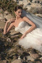 Wedding dresses Franceska Silhouette  A Line  Color  Ivory  Neckline  Sweetheart  Sleeves  Spaghetti Straps  Train  With train - foto 5