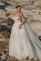 Wedding dresses Franceska Silhouette  A Line  Color  Ivory  Neckline  Sweetheart  Sleeves  Spaghetti Straps  Train  With train - foto 3