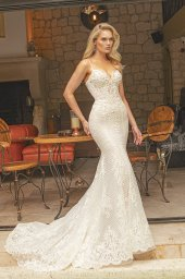 Wedding dresses Iman Silhouette  Fitted  Color  Ivory  Neckline  Straps  Train  Detachable train - foto 8