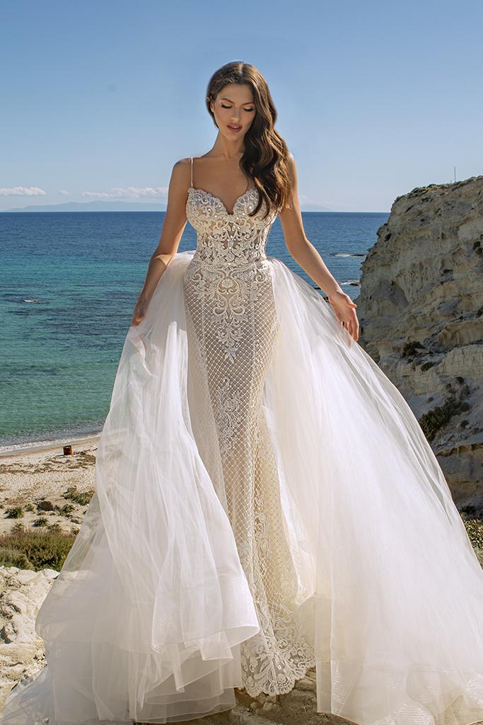 Wedding dresses Iman Silhouette  Fitted  Color  Ivory  Neckline  Straps  Train  Detachable train - foto 3
