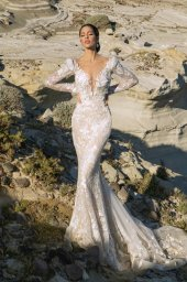 Wedding dresses Mia Silhouette  Fitted  Color  Ivory-blush  Sleeves  Long Sleeves - foto 3