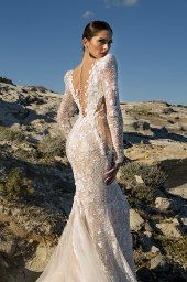 Wedding dresses Mia Silhouette  Fitted  Color  Ivory-blush  Sleeves  Long Sleeves - foto 2