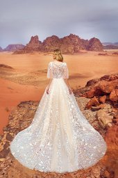 Wedding dress Jadice Silhouette  A Line  Color  Cappuccino  Neckline  Sweetheart  Sleeves  Detachable  Train  With train - foto 2