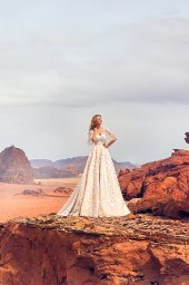 Wedding dress Jadice Silhouette  A Line  Color  Cappuccino  Neckline  Sweetheart  Sleeves  Detachable  Train  With train - foto 4