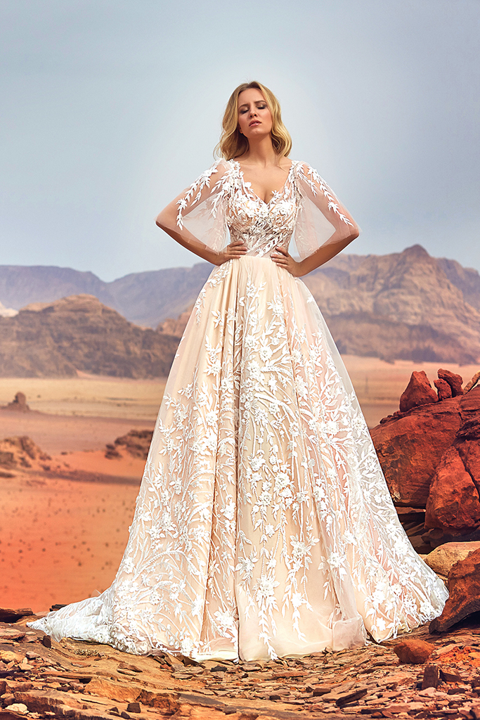 Wedding dress Jadice Silhouette  A Line  Color  Cappuccino  Neckline  Sweetheart  Sleeves  Detachable  Train  With train - foto 3