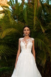 Wedding dress Jenny  Silhouette  A Line  Color  Ivory  Neckline  Sweetheart  Sleeves  Sleeveless  Train  With train - foto 3