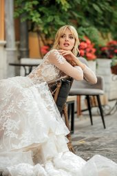 Wedding dress Joel Silhouette  Fitted  Color  Ivory  Neckline  Sweetheart  Sleeves  Long Sleeves  Train  With train - foto 2