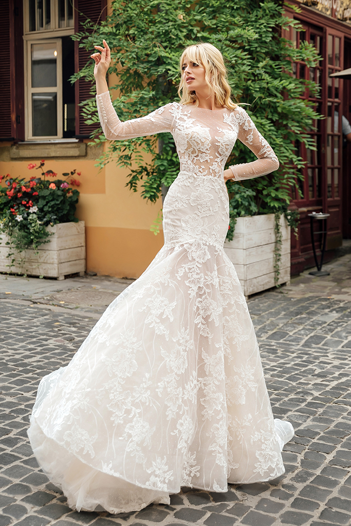 Wedding dress Joel Silhouette  Fitted  Color  Ivory  Neckline  Sweetheart  Sleeves  Long Sleeves  Train  With train - foto 3