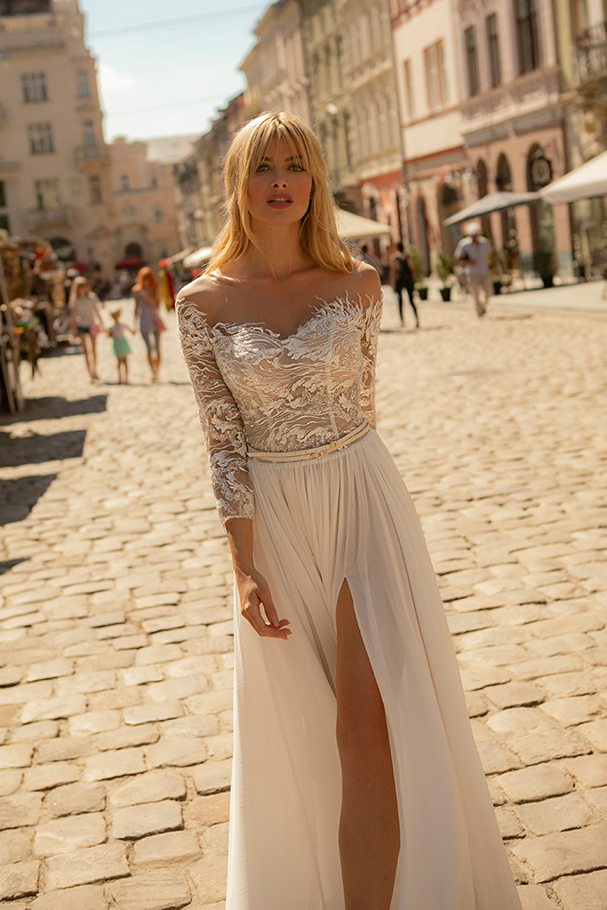Wedding dress Yvon Silhouette  Sheath  Color  Ivory  Neckline  Sweetheart  Sleeves  Long Sleeves  Train  With train - foto 2