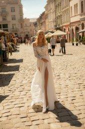 Wedding dress Yvon Silhouette  Sheath  Color  Ivory  Neckline  Sweetheart  Sleeves  Long Sleeves  Train  With train - foto 4