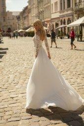 Wedding dress Yvon Silhouette  Sheath  Color  Ivory  Neckline  Sweetheart  Sleeves  Long Sleeves  Train  With train - foto 3