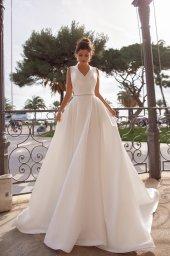 Wedding dress Kylie Silhouette  A Line  Color  Ivory  Neckline  Mandarin  Sleeves  Sleeveless  Train  With train - foto 3