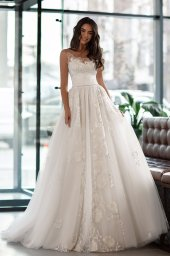 Wedding dress Karla Silhouette  A Line  Color  Ivory  Neckline  Scoop  Sleeves  Sleeveless  Train  With train - foto 3
