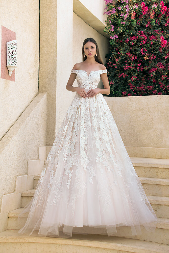 Wedding dresses Berta Collection  Fresh Touch  Silhouette  A Line  Color  Pink  Ivory  Neckline  Bateau (Boat Neck)  Sleeves  Off the Shoulder Sleeves  Train  With train - foto 2