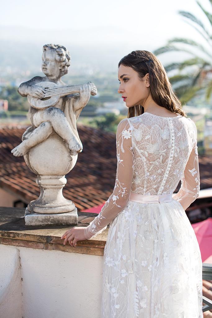 Wedding dress Lutecia Silhouette  A Line  Color  Cappuccino  Neckline  Scoop  Sleeves  Long Sleeves  Train  No train - foto 2