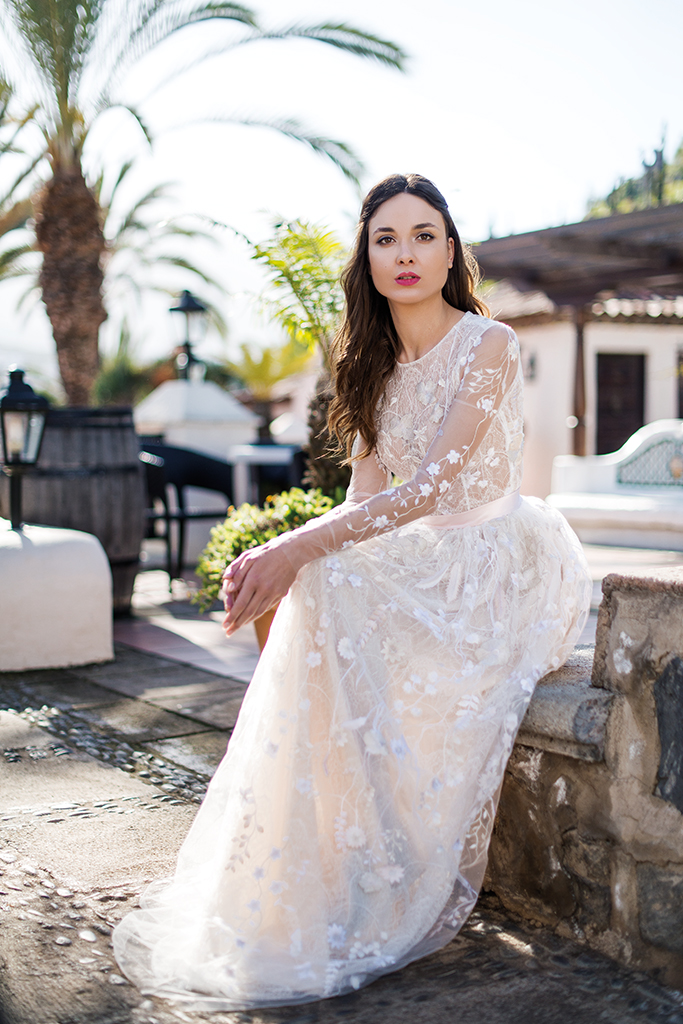 Wedding dress Lutecia Silhouette  A Line  Color  Cappuccino  Neckline  Scoop  Sleeves  Long Sleeves  Train  No train - foto 5