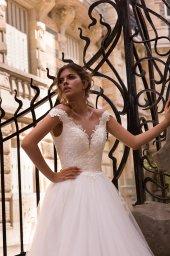 Wedding dress Mylie Silhouette  A Line  Color  Ivory  Neckline  Portrait (V-neck)  Sleeves  Sleeveless  Train  With train - foto 2