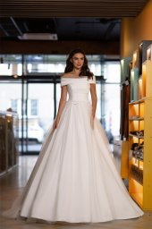 Wedding dress Mary Silhouette  A Line  Color  Ivory  Neckline  Off the Shoulder  Sleeves  Off the Shoulder Sleeves  Train  No train - foto 2