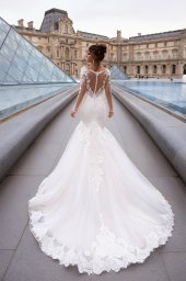 Wedding dress Marion  Silhouette  Mermaid  Color  Cappuccino  Ivory  Neckline  Sweetheart  Sleeves  Long Sleeves  Train  With train - foto 3