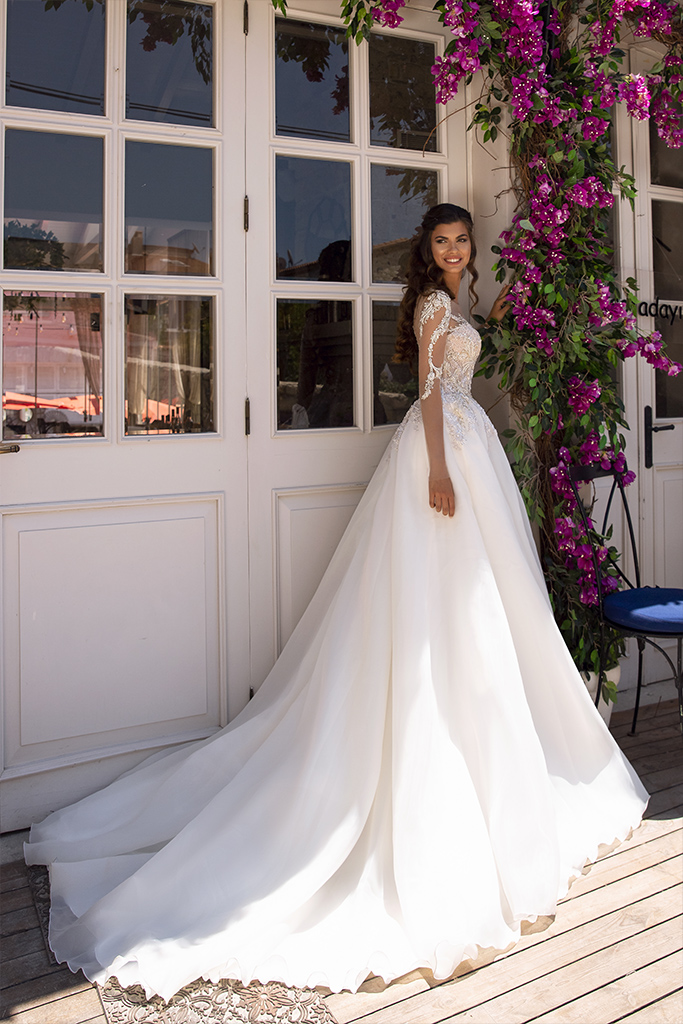 Wedding dress Miranda  Silhouette  A Line  Color  Cappuccino  Ivory  Neckline  Sweetheart  Sleeves  Long Sleeves  Train  With train - foto 5