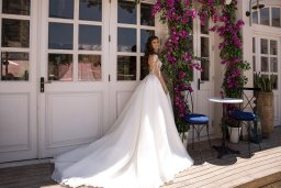 Wedding dress Miranda  Silhouette  A Line  Color  Cappuccino  Ivory  Neckline  Sweetheart  Sleeves  Long Sleeves  Train  With train - foto 3