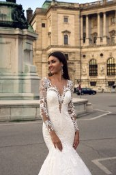 Wedding dress Montana Silhouette  Mermaid  Color  Ivory  Neckline  Sweetheart  Sleeves  Long Sleeves  Train  With train - foto 2