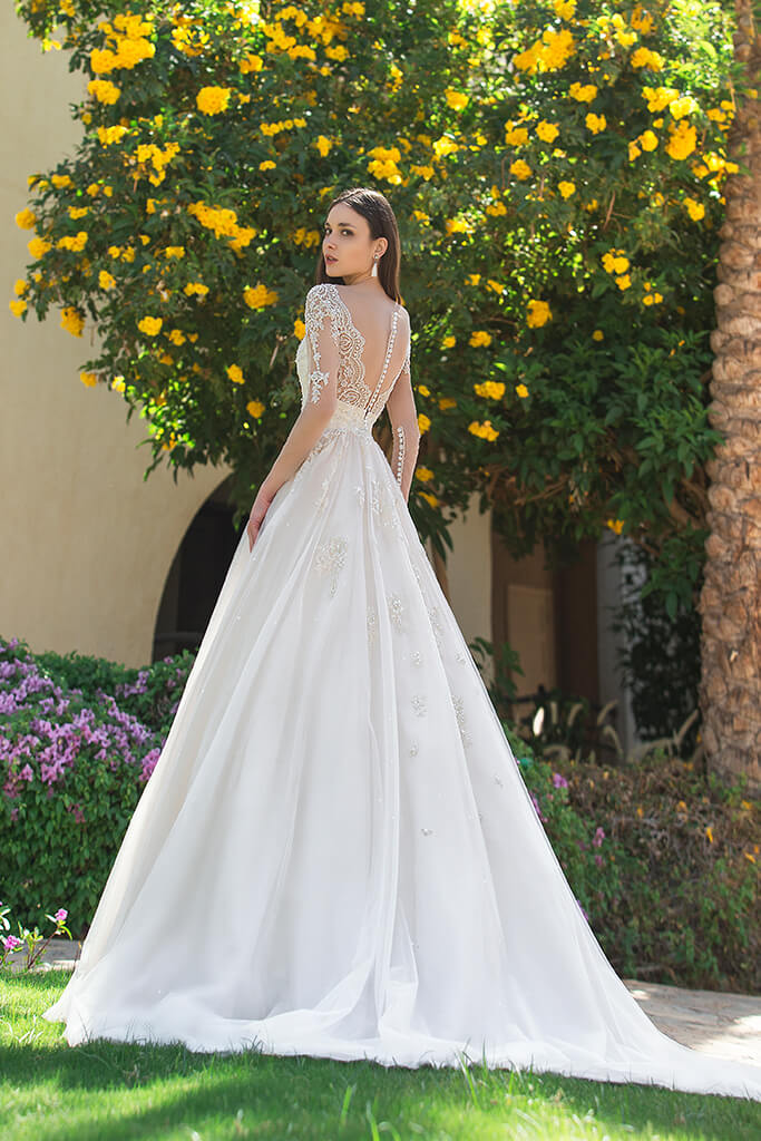 Wedding dresses Teri Collection  Fresh Touch  Silhouette  A Line  Color  Cappuccino  Ivory  Neckline  Sweetheart  Sleeves  Long Sleeves  Fitted  Train  With train - foto 2