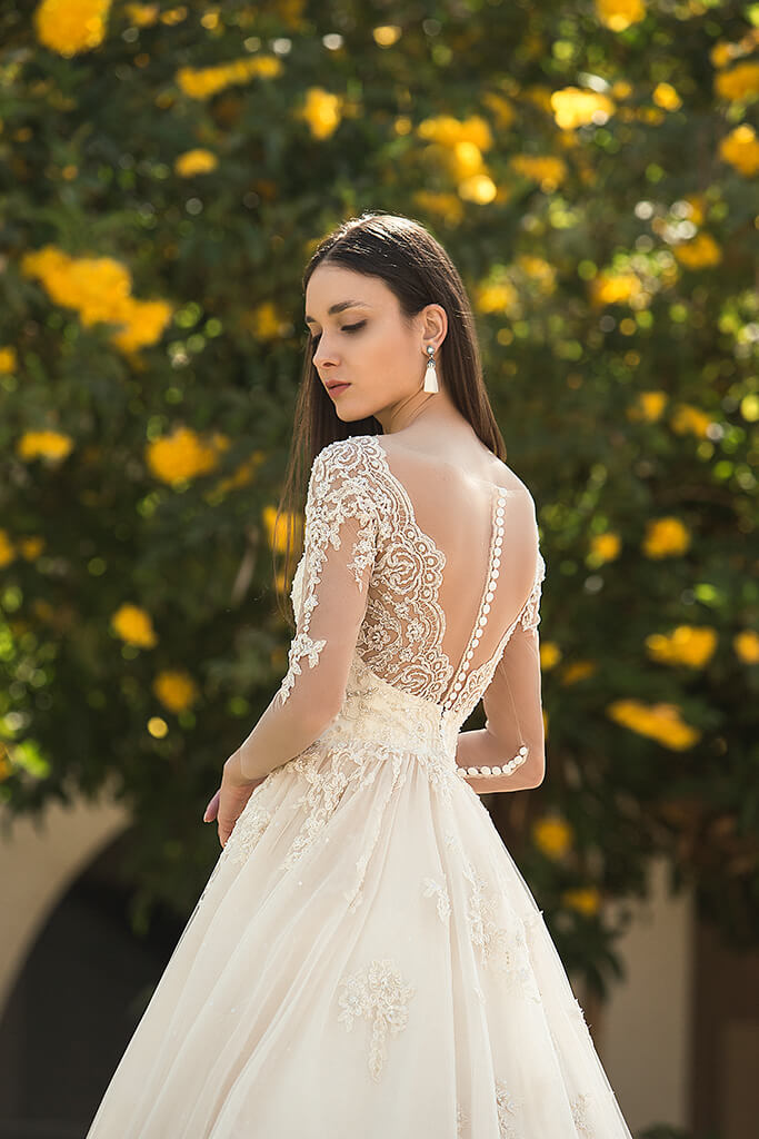 Wedding dresses Teri Collection  Fresh Touch  Silhouette  A Line  Color  Cappuccino  Ivory  Neckline  Sweetheart  Sleeves  Long Sleeves  Fitted  Train  With train - foto 3