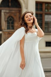 Wedding dress Raymond Silhouette  Empire  Color  Ivory  Neckline  Straight  Train  No train - foto 2