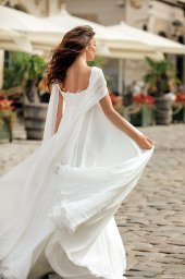 Wedding dress Raymond Silhouette  Empire  Color  Ivory  Neckline  Straight  Train  No train - foto 3