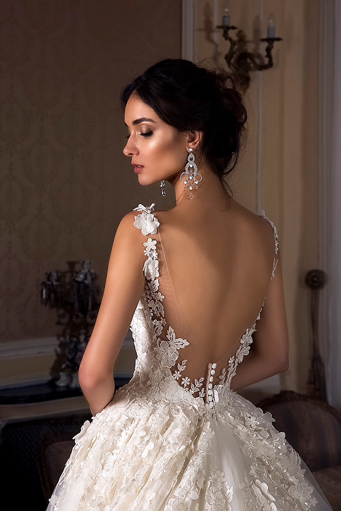 Wedding dress Rosalinda Silhouette  Ball Gown  Color  Ivory  Neckline  Sweetheart  Sleeves  Sleeveless  Train  With train - foto 2