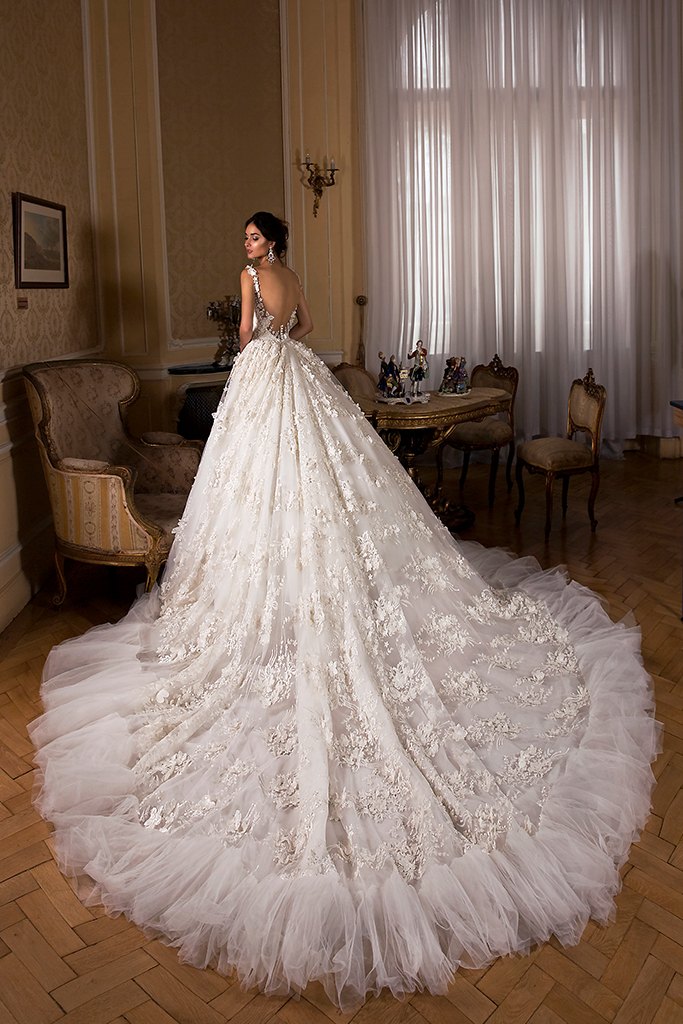 Wedding dress Rosalinda Silhouette  Ball Gown  Color  Ivory  Neckline  Sweetheart  Sleeves  Sleeveless  Train  With train - foto 3