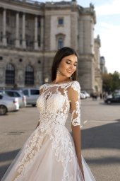 Wedding dress Salma Silhouette  A Line  Color  Cappuccino  Ivory  Neckline  Straight  Sleeves  3/4 Sleeves  Train  With train - foto 2