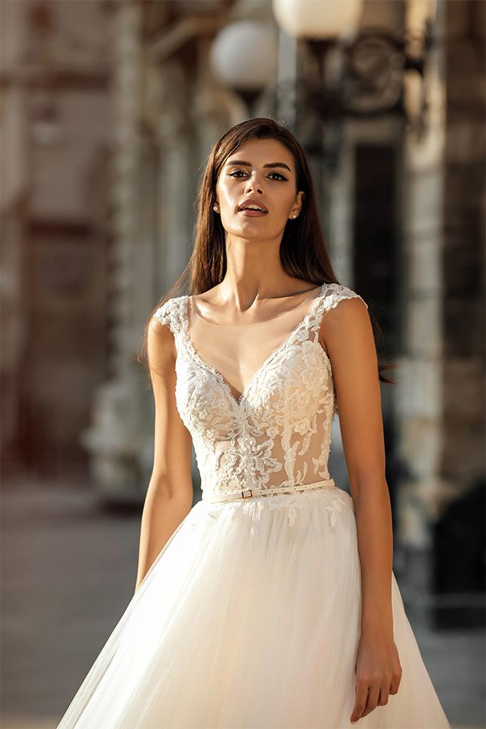 Wedding dress Scarlett Silhouette  A Line  Color  Nude  Ivory  Neckline  Sweetheart  Sleeves  Wide straps  Train  No train - foto 2