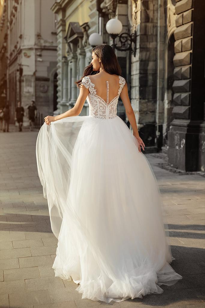Wedding dress Scarlett Silhouette  A Line  Color  Nude  Ivory  Neckline  Sweetheart  Sleeves  Wide straps  Train  No train - foto 4