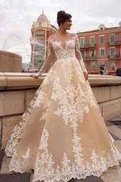 Wedding dress Sophia Silhouette  A Line  Color  Cappuccino  Neckline  Sweetheart  Sleeves  Long Sleeves  Train  With train - foto 4